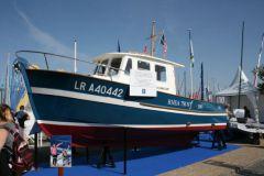 El Rhéa 750 n°1 expuesto en el Grand Pavois en homenaje a Bertrand Danglade