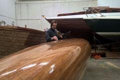 Canoa de madera hecha con productos de West System