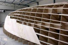 El molde de un velero en fabricación