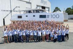 El equipo de producción de los catamaranes Nautitech