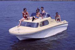 El modelo de ave marina naufragada fue producido por Jeanneau en la década de 1970