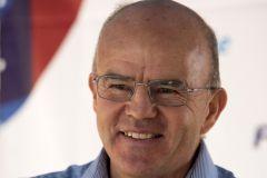 Jean-Yves Le Déroff deja la dirección de la Escuela Nacional de Vela y Deportes Náuticos