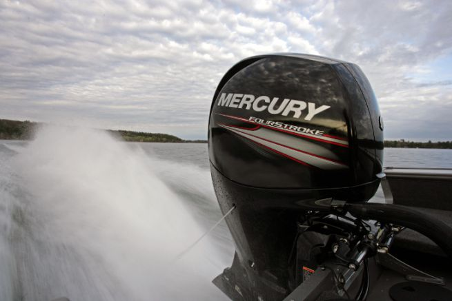 Motor fuera de borda de mercurio