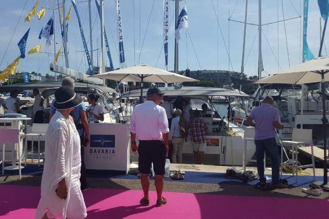 Los visitantes del Festival de Yates de Cannes
