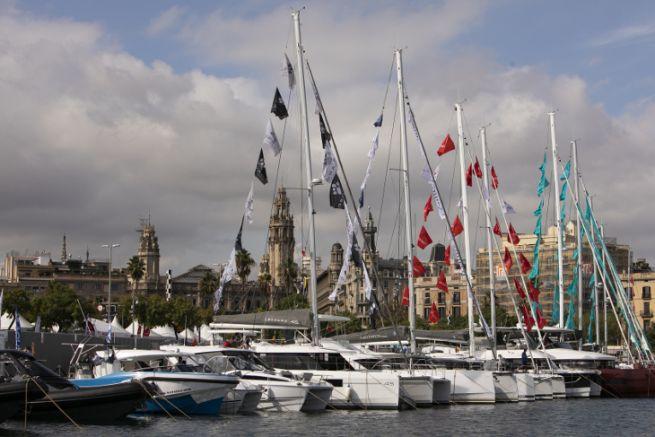 Barcos expuestos en el Port Vell para el Salón Náutico de Barcelona